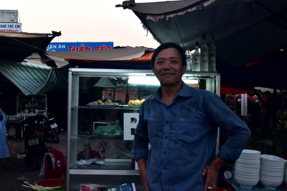 Man at the night market in Ea Drang