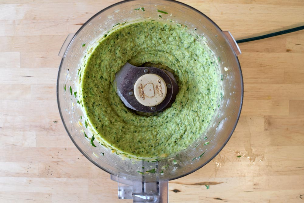 Food processor Cuisinart hummus recipe.
