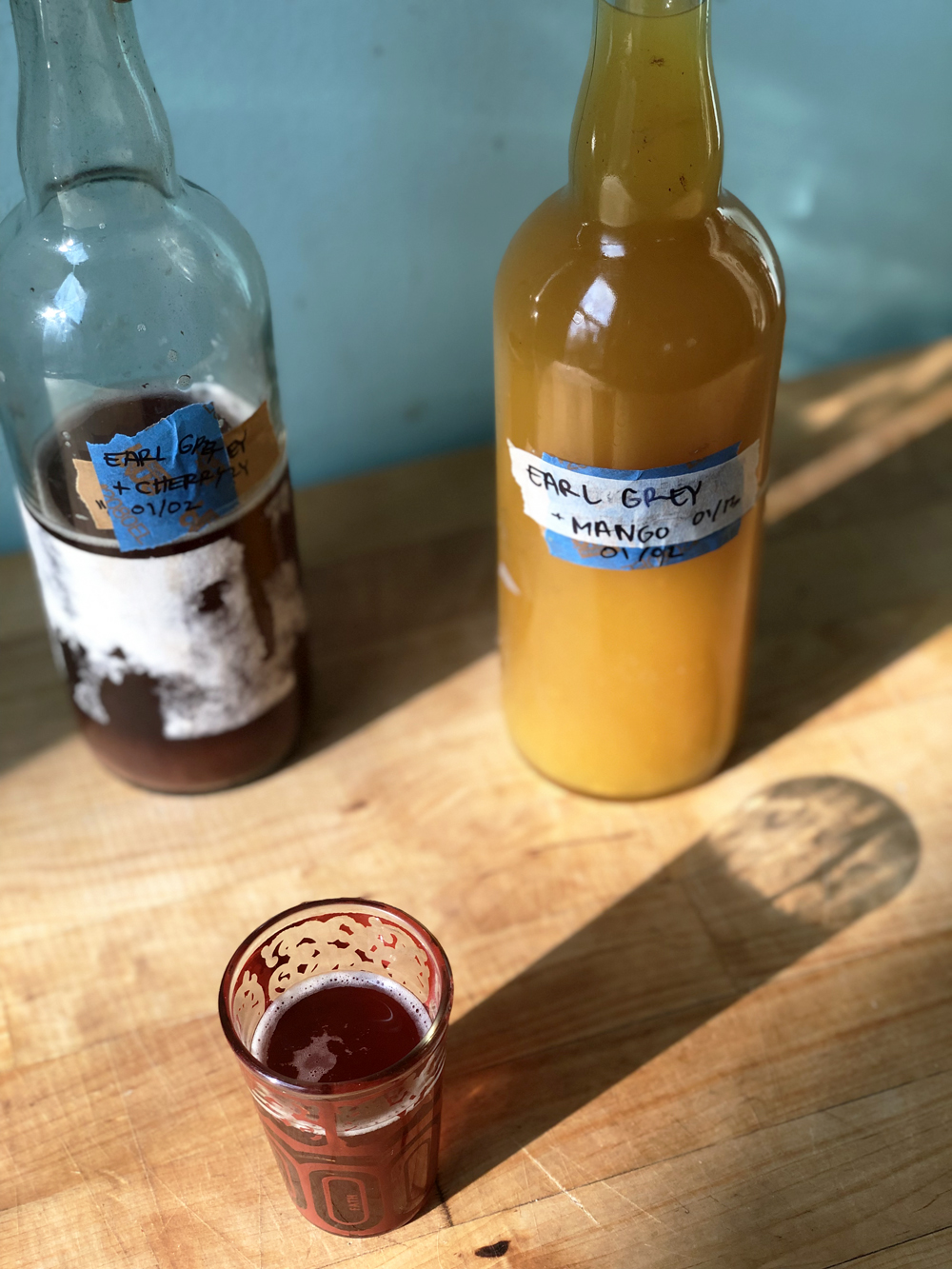 DIY kombucha fermented probiotic drink