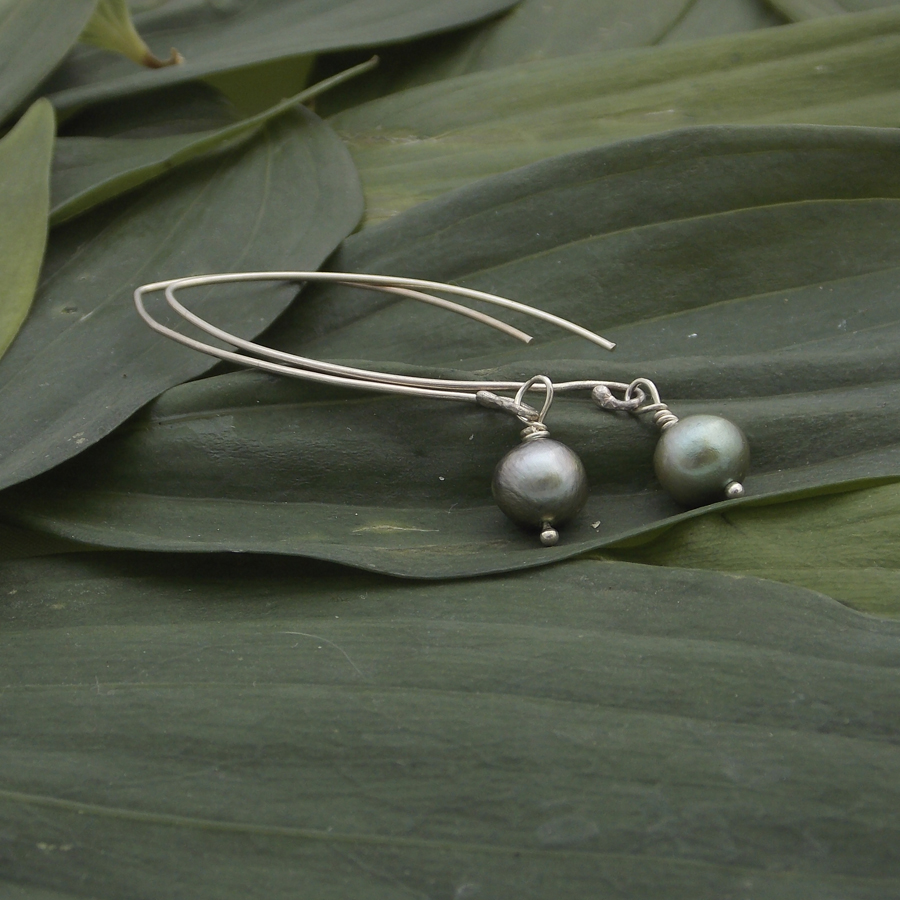 green fresh water pearl earring.jpg