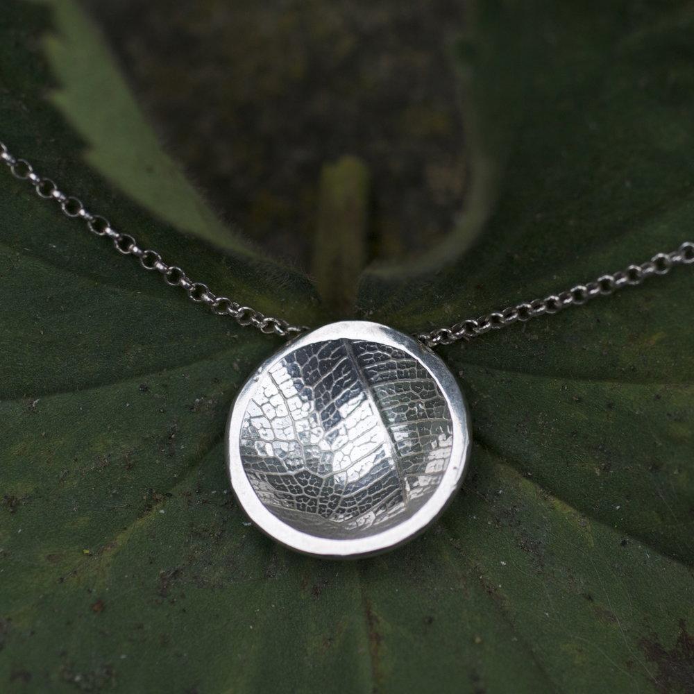 necklace Pendant dome leaf .jpg