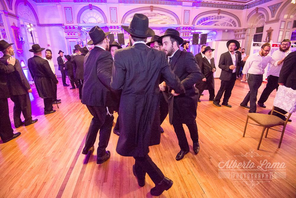 Jewish Wedding in New York 23.jpg
