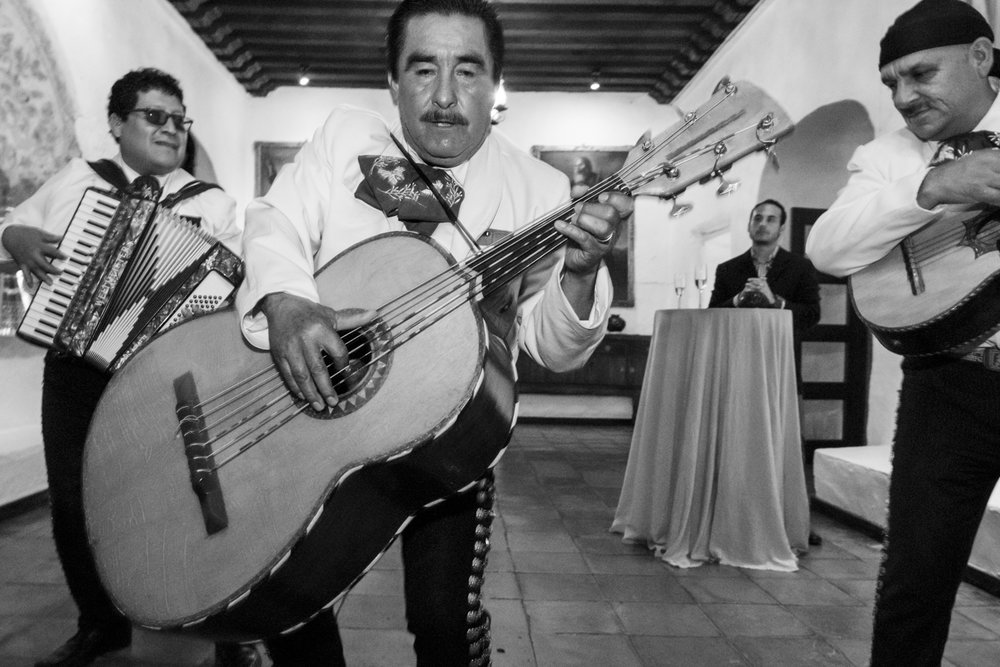 Mariachis, Mezcal & Amor: a Oaxacan Wedding Story I Image Copyright Alberto Lama Photography