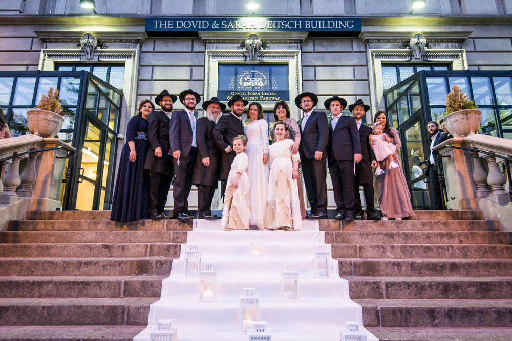Capturing Tradition: an Orthodox Jewish Wedding in Brooklyn I Image Copyright Alberto Lama Photography