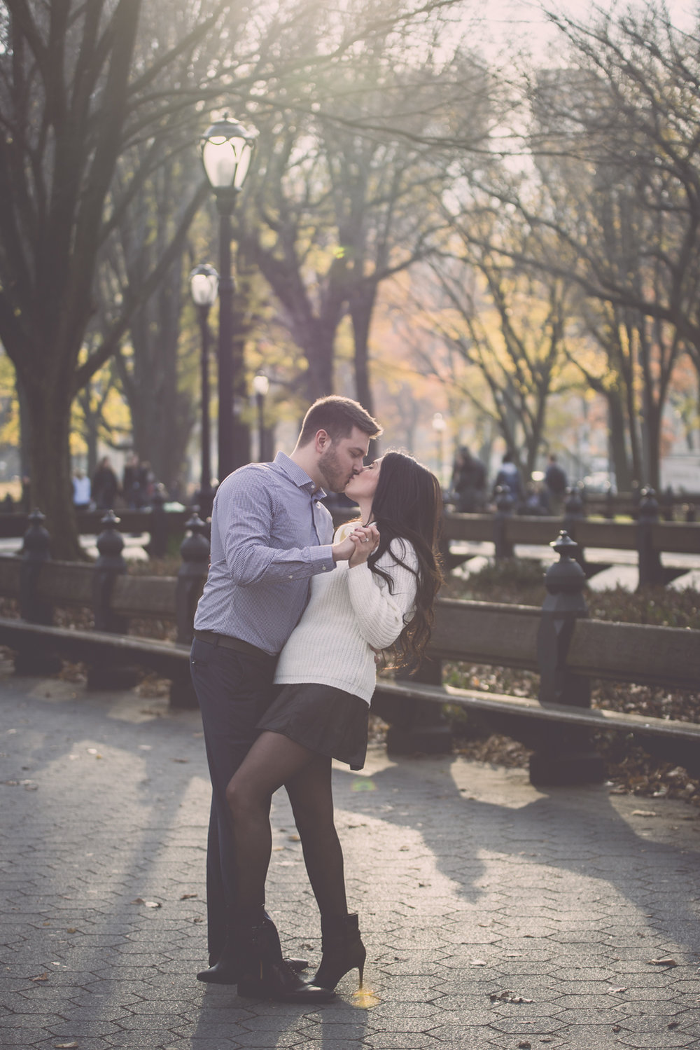 A Classic Central Park Engagement Session I Image Copyright Alberto Lama Photography