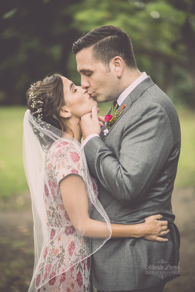 Sara & Zach wedding at Wallabout Seefood & Co. by Alberto Lama Photography