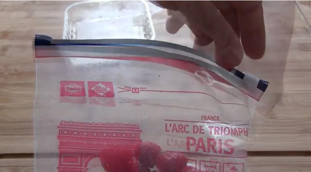 framboise congelées dans un sachet albal