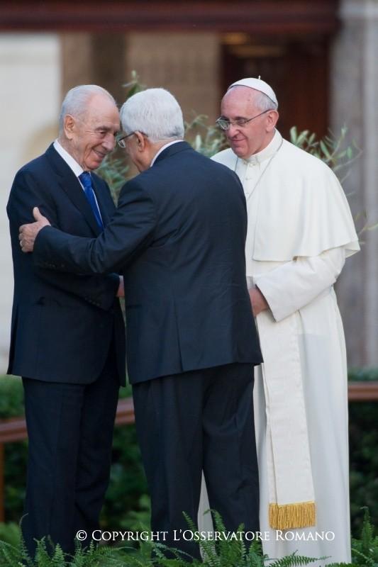 ....Rencontre de prière au Vatican. 8 juin 2014. ..  Encounter of prayer, Vatican, June 8, 2014. ....