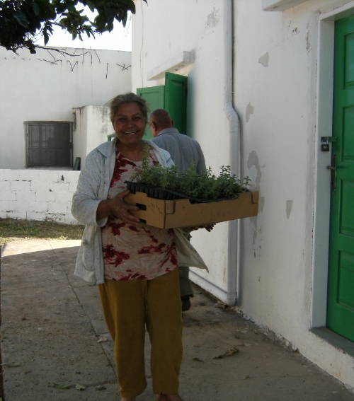 ....Villageoise de Qaouzah à la coopérative agricole fondée par Béatrice .. A woman from Qaouzah....