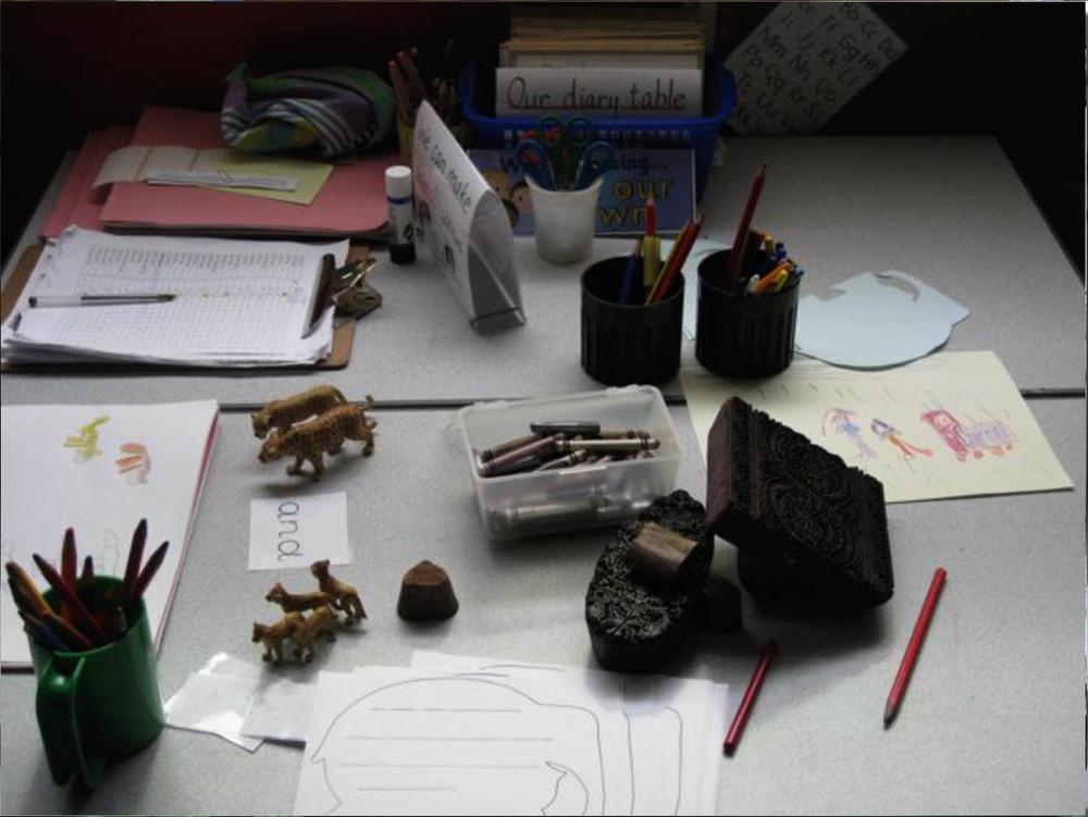 writting table.jpg