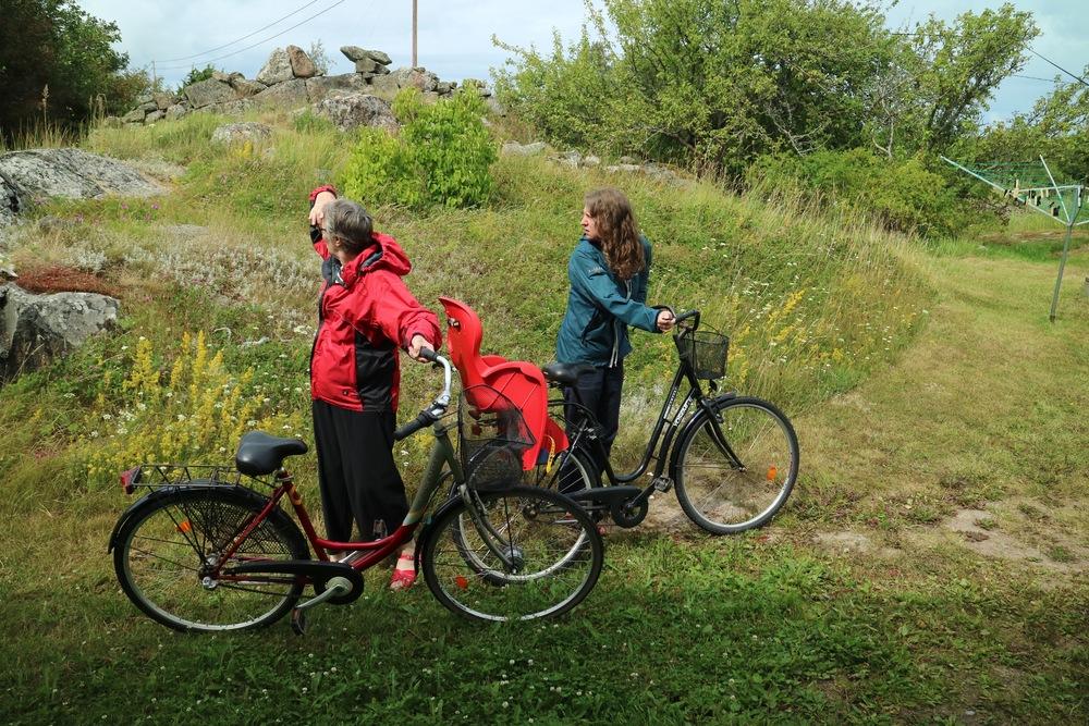 Alice & Jeni - Looking with Bikes.jpg