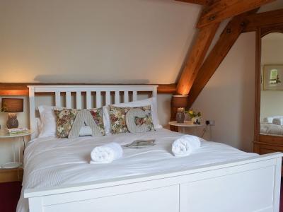 8 HH master bedroom.jpg