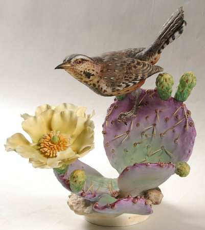 Cactus Wren hen & Prickly Pear.jpg