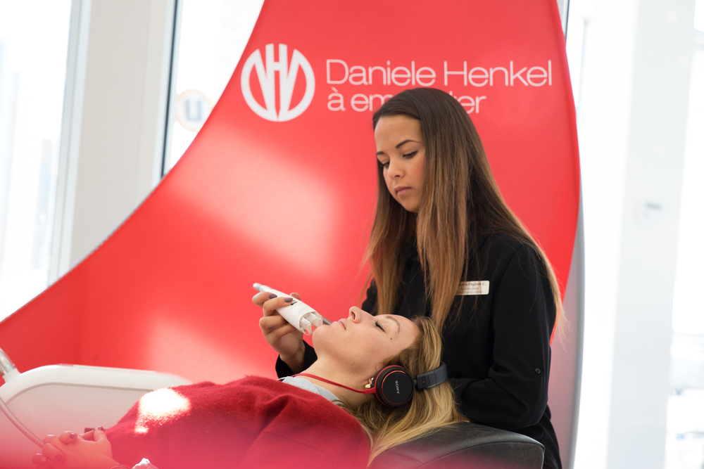 mademoiselle jules beauty blogger at uniprix for daniele henkel on the go