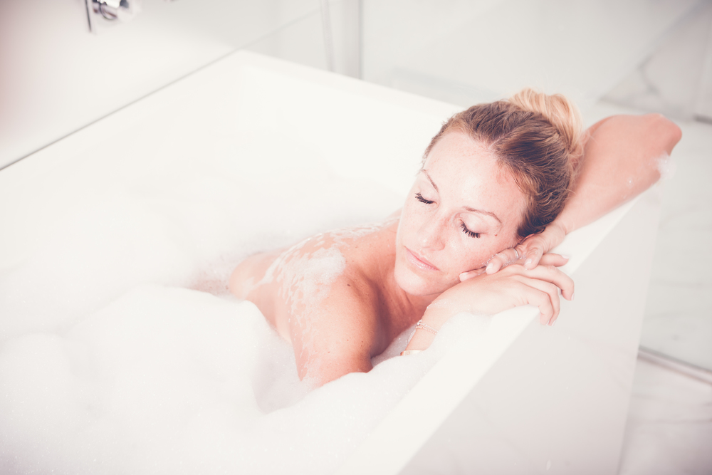 best detox bath recipe by lifestyle blogger mademoiselle jules