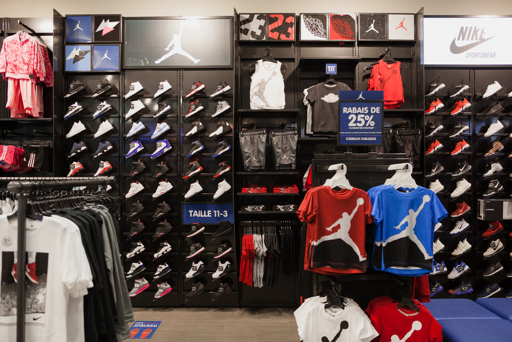 boutique nike carrefour laval