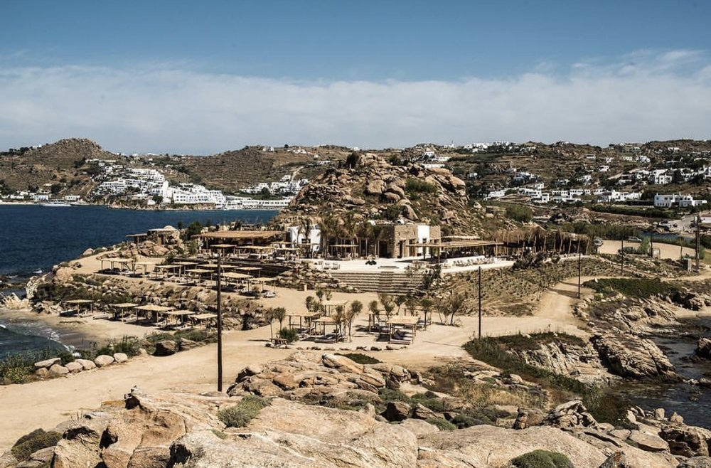scorpios beach club mykonos, travel blogger mademoiselle jules mlle