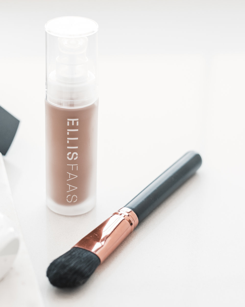 Ellis Faas - Skin Veil Foundation