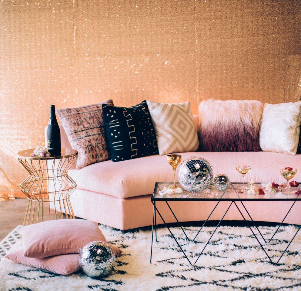 romatik lounge $500