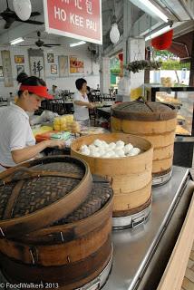 Homemade Geylang dumplings and pau all night long