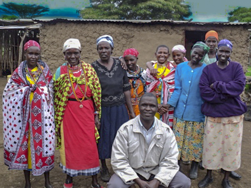 Mobilizing women's groups to build water tanks