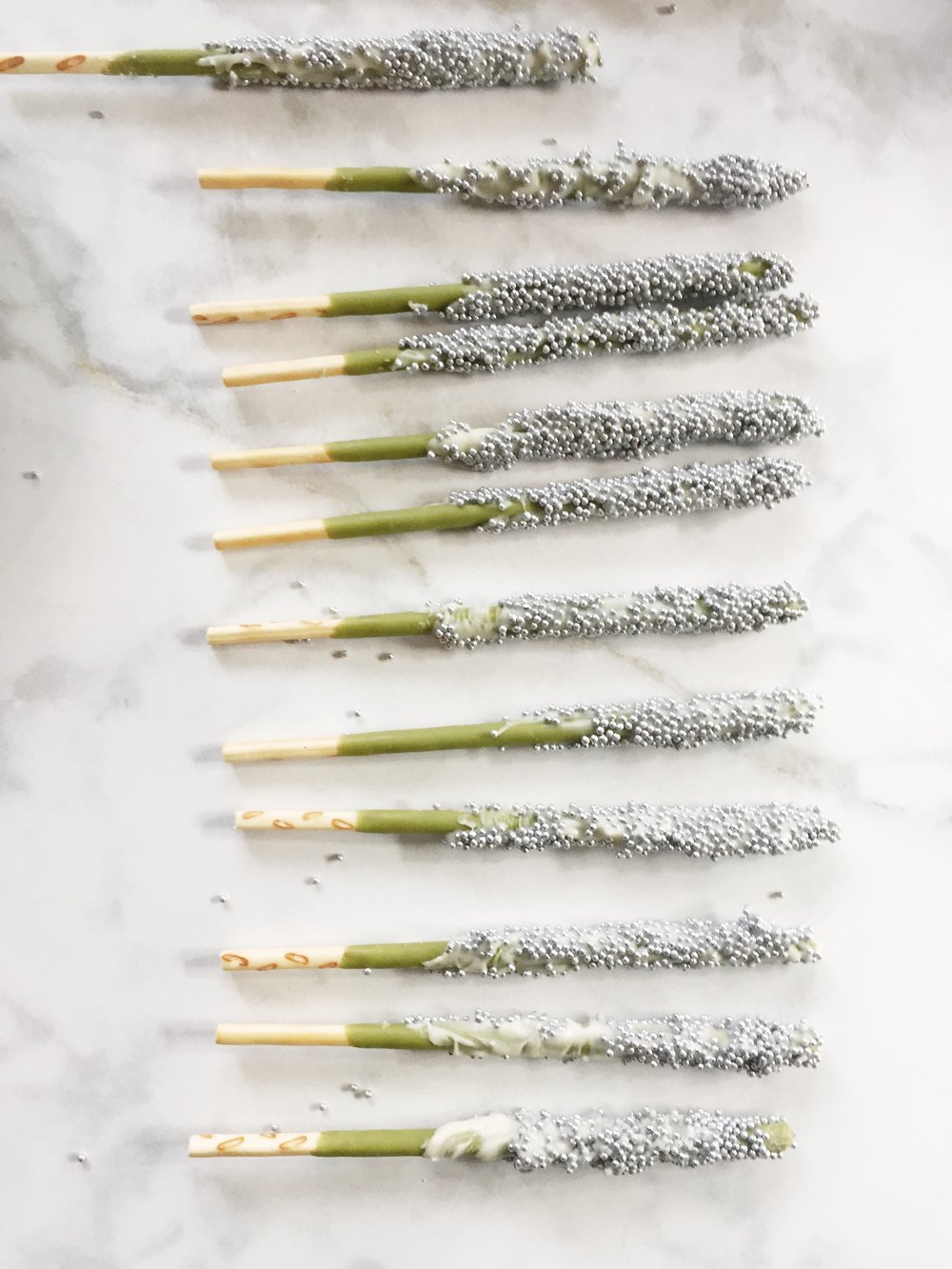 matcha_pocky_decoration_cake_www.oandystudio.com