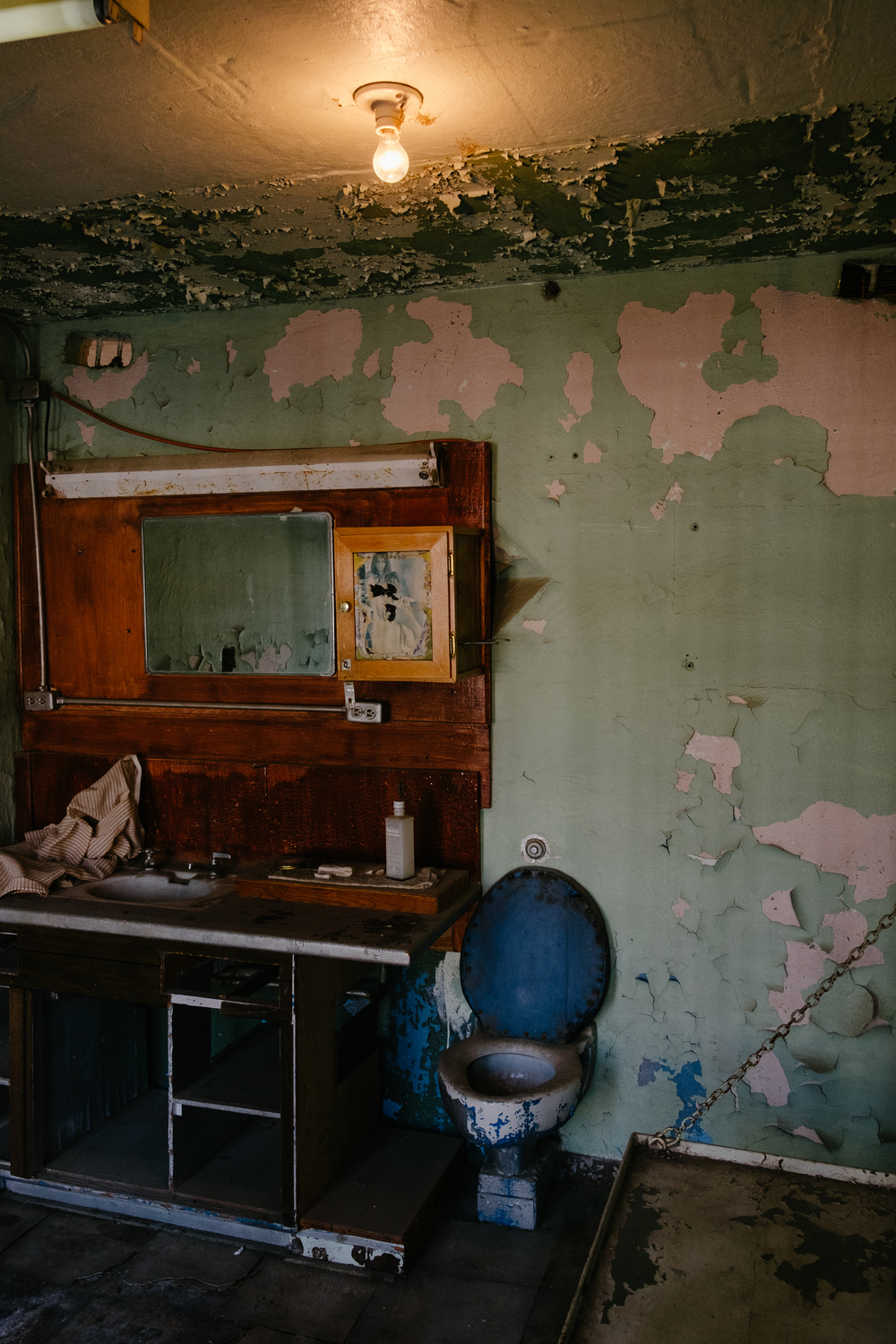 The old barbers cell, left to deteriorate as it was.