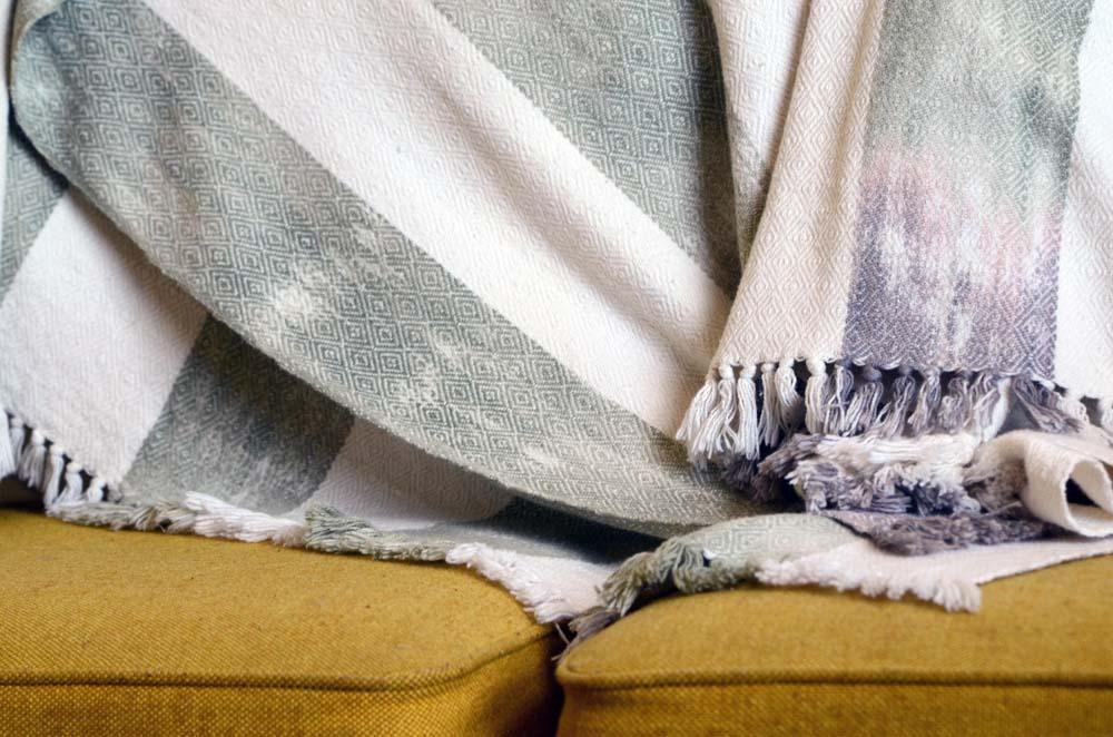 Blankets-2.jpg