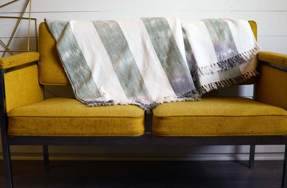 Blankets-4.jpg