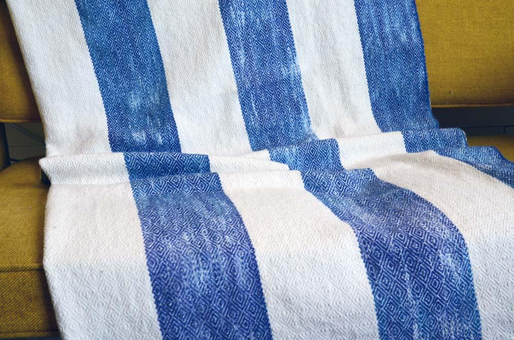 Blankets-6.jpg