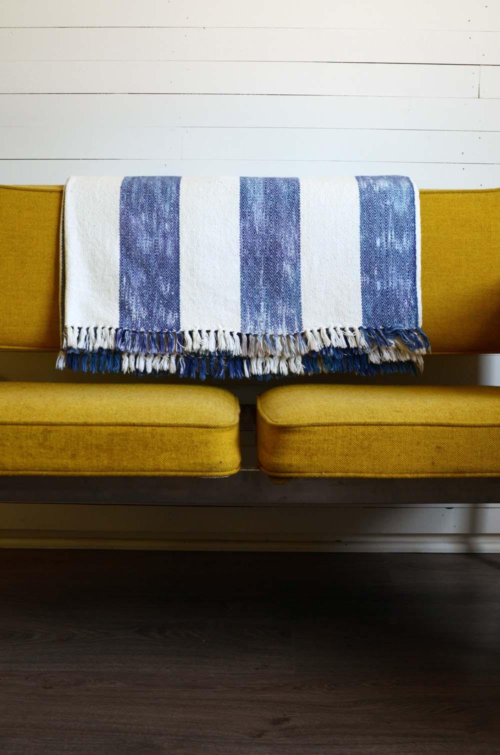 Blankets-8.jpg