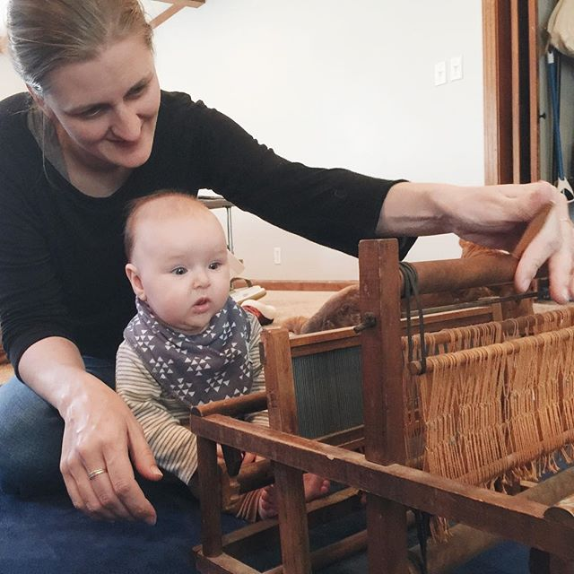 This little gal is almost 5 months old already so it was obviously about time we get her set up with her own Faye-sized loom!