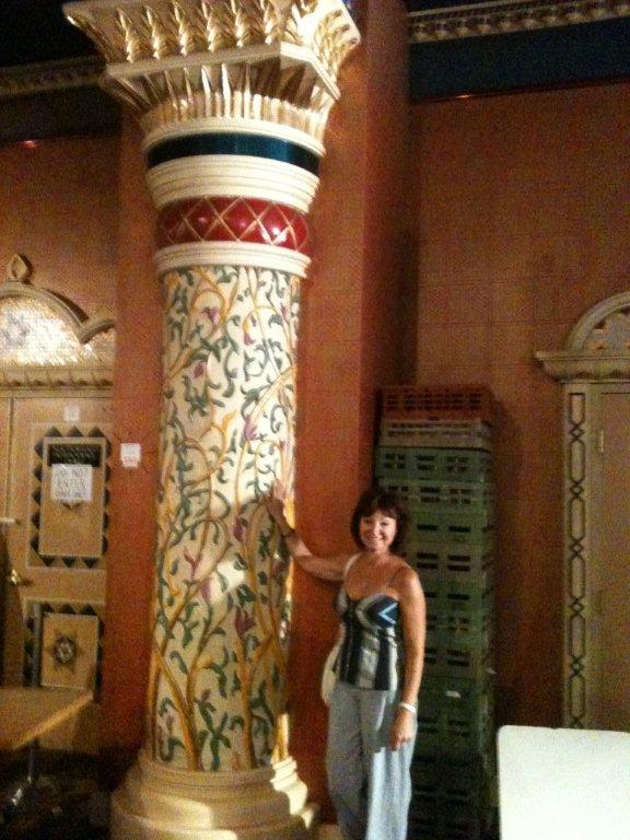 Barbara selecting columns inside the Casino.