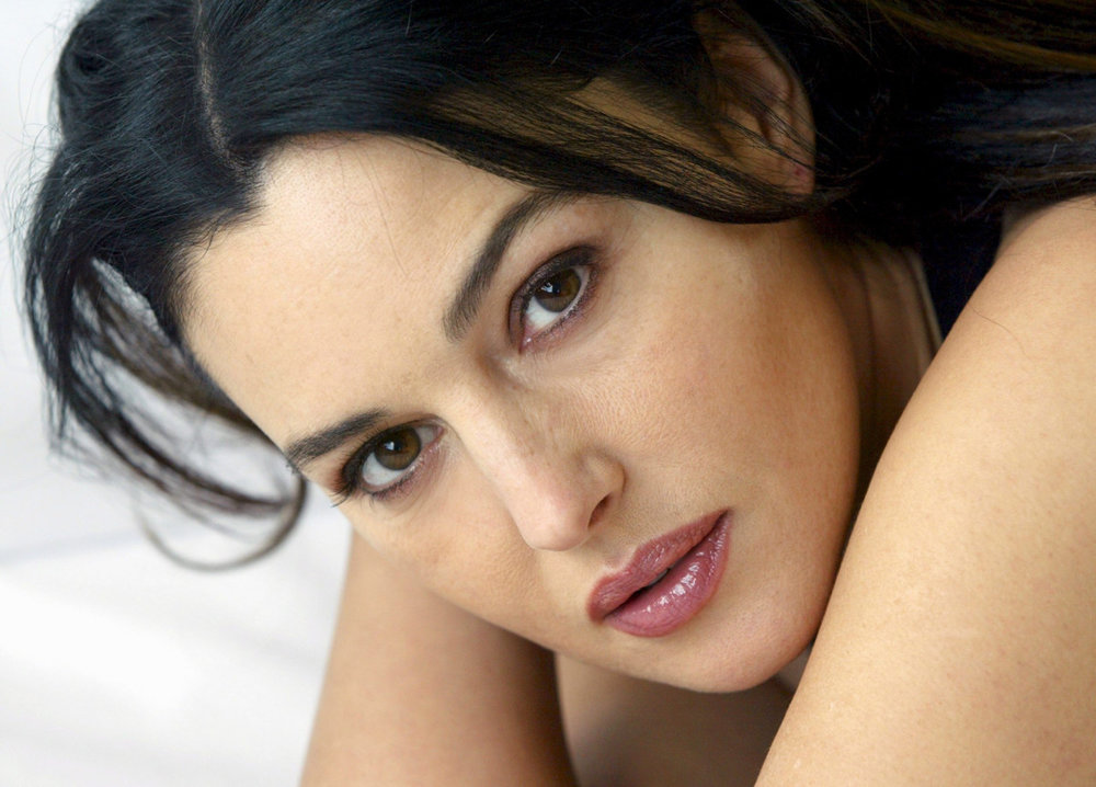 True glamour is ageless.  (Monica Bellucci, actress.)
