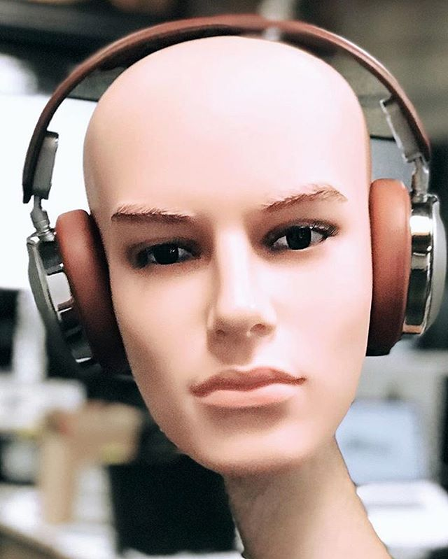 @shinolaaudio c/o @astrostudios @seanmissal @creativesession @oliver_dreams @williammeeker #shinola #shinolaaudio #headphones #audiofile #design #industrialdesign #productdesign #detroit