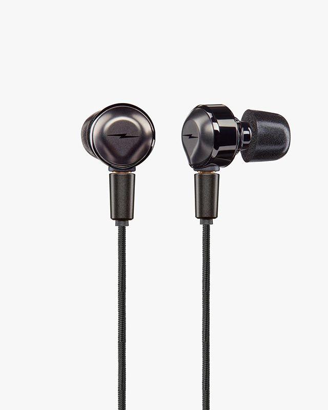 Shinola Canfield Earbuds. #shinola #shinolaaudio #astro #astrostudios #design #designprocess #indistrialdesign #productdesign #sketch #sketching #render #rendering #earbuds #audio #audiofile