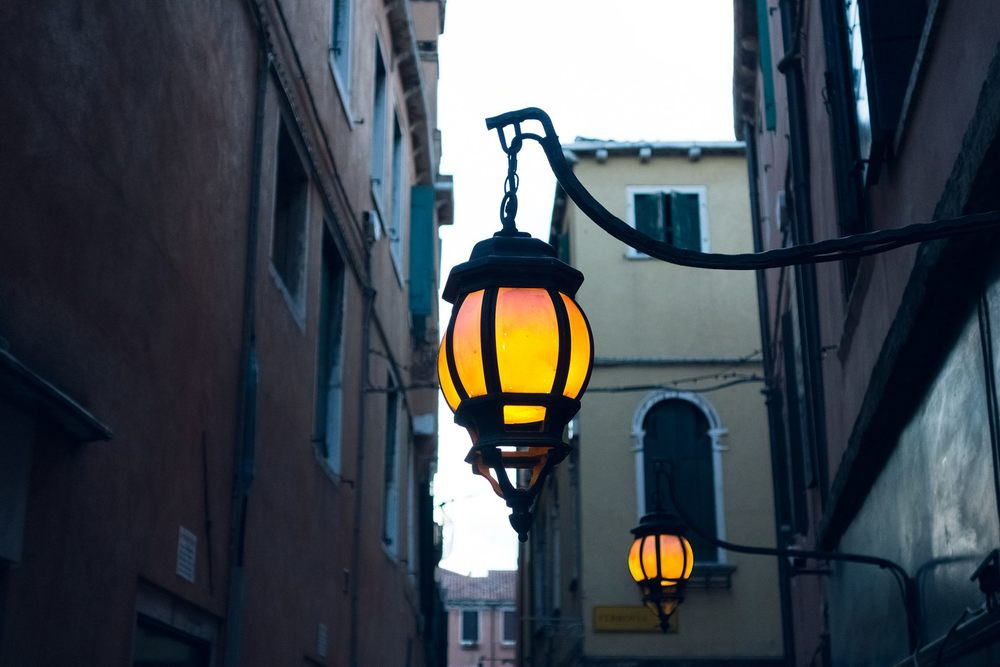 old_street_lamp_venice