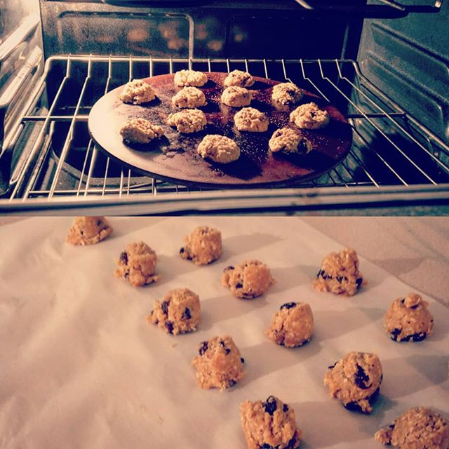 It doesn't happen often, but some nights I just feel like making up a recipe and baking. #oatmealraisinpeanutbutter #madefromscratch #fridaynight #hey #yum #cookies