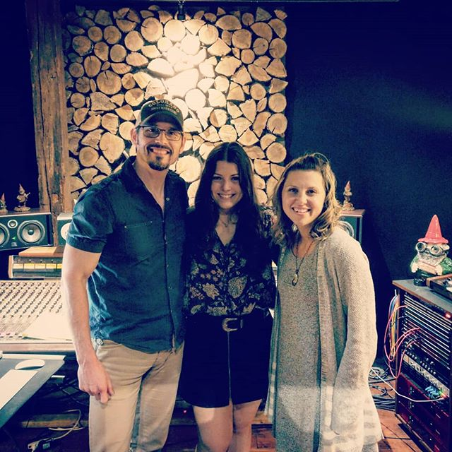 Such a fun day in #musiccity working in the studio with @ashleyygainess on her sophmore EP. We love producing her songs and spending time with the Maryland fam! And thanks @gnomestudios for always providing a great space to work! . . . #raisemup #cmafest #work #music #recording #nashville #nextgen #songwriter
