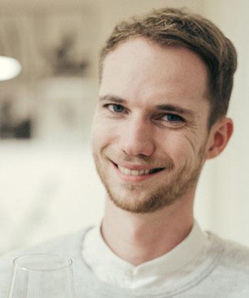 portrait-christian-schuetz-partner-designkitchen.jpg