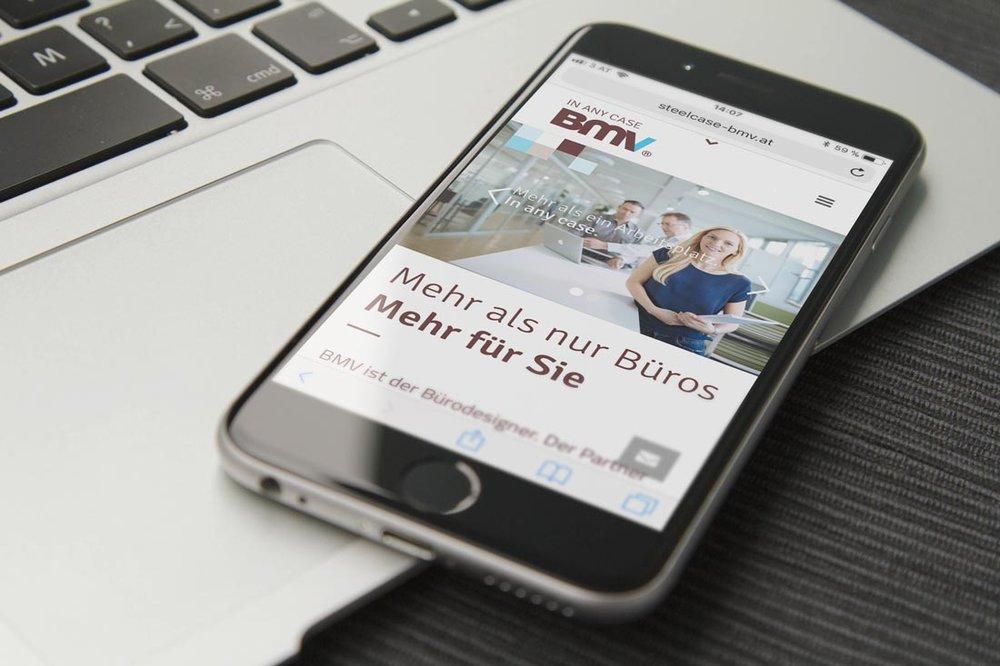 homepage-ipone1-bmv-steelcase-designkitchen.jpg