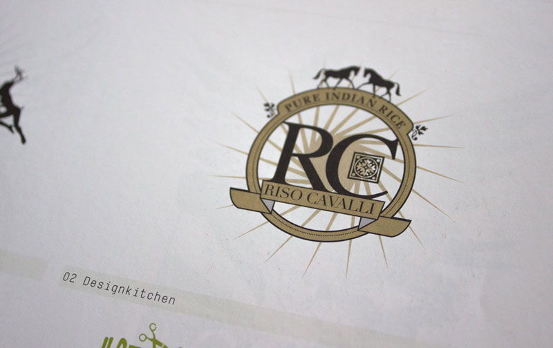 tres-logos-designkitchen2.jpg