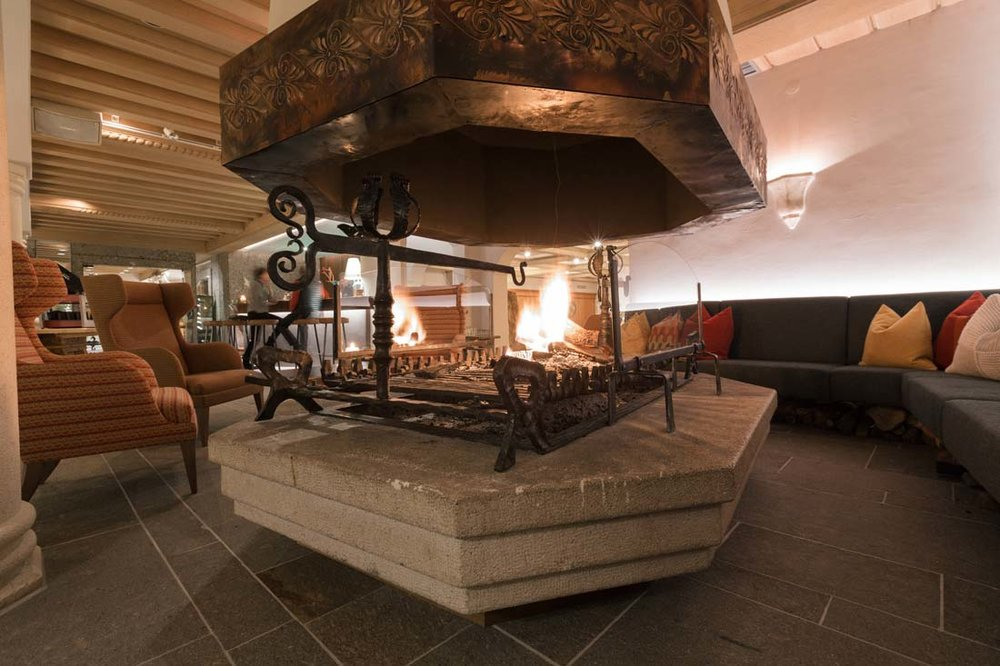21-konzept-nationalpark-lodge-grossglockner-designkitchen.jpg