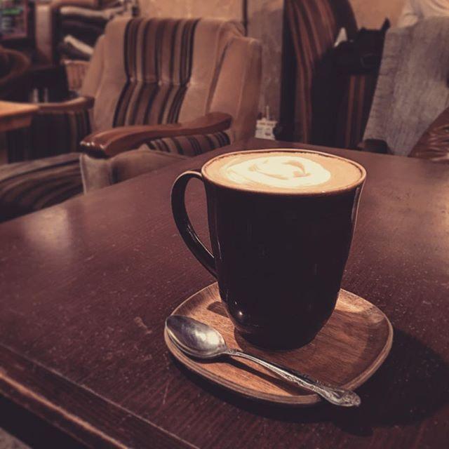 #中目黒カフェ #latte #instacafe  #antique #vintage #nakameguro