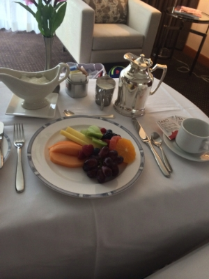 The room service fruit plate and green tea that helped me power through my important meeting.