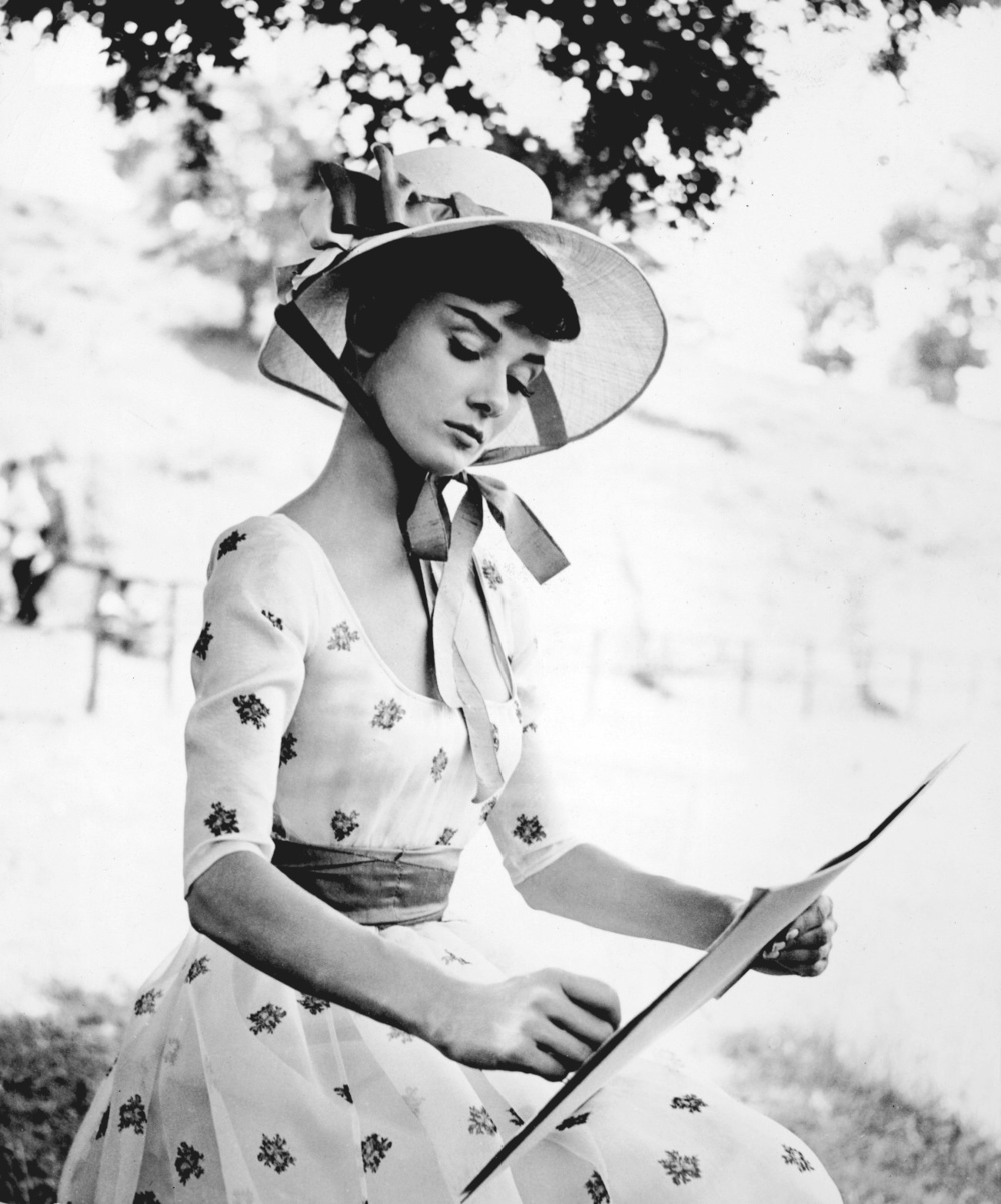 Audrey-Hepburn-audrey-hepburn-21766585-1300-1564 (1).jpg
