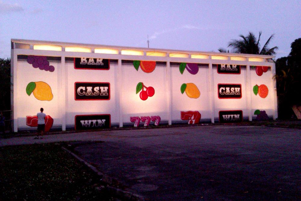 Mural at M building2.jpg