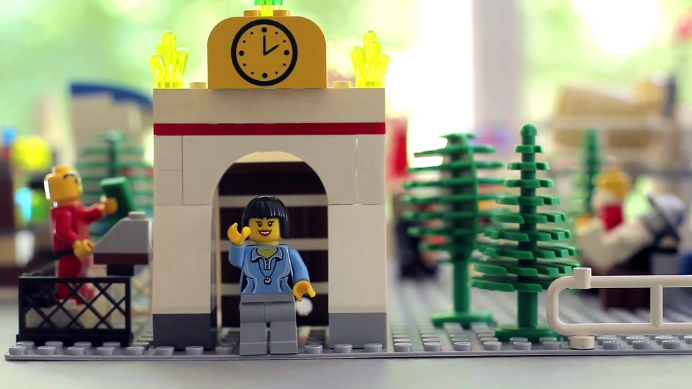 "LEGO me says, ""Hi! Come check out my theme park!"""