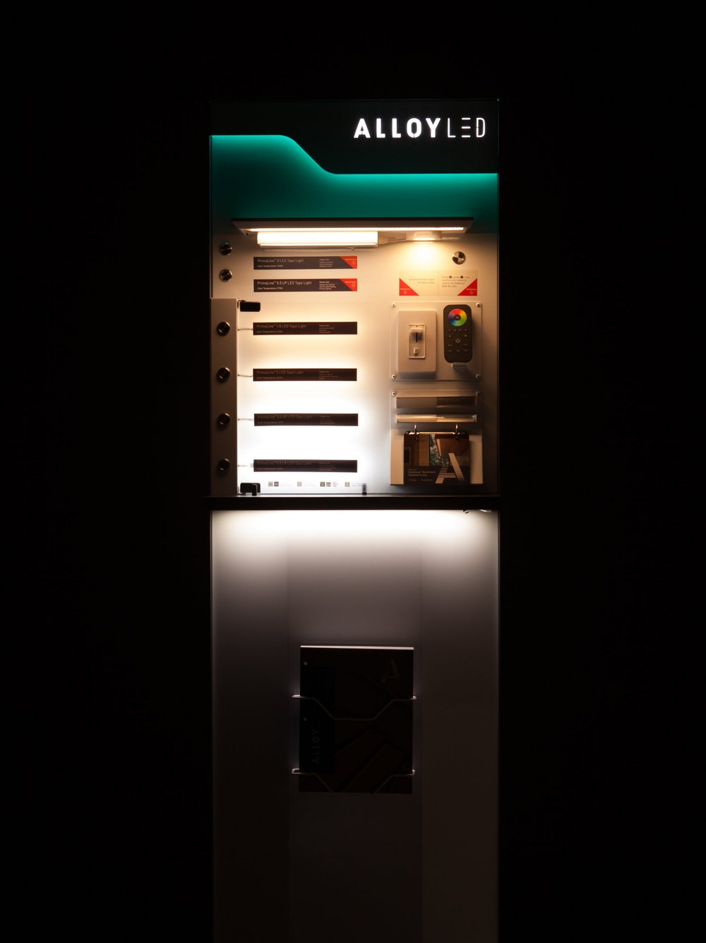 When lit, the display shows the range of color temperatures of the LED strips as well as the quality of the light with minimized hot spots. The lights are also individually controlled.