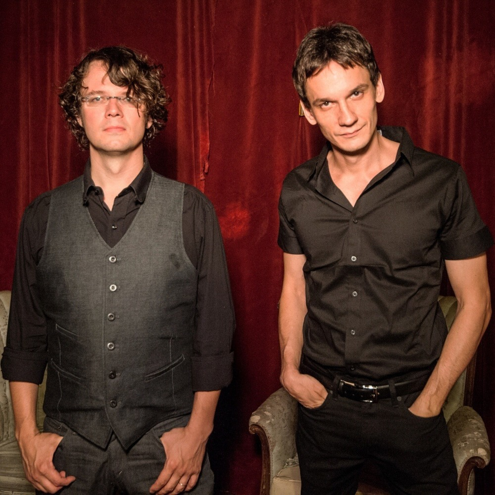 "<h2><font color=""#FFFFFF"">North Mississippi Allstars</h2></font>"